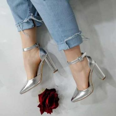 Decolletè donna con cinturino alla caviglia tacco largo comodo