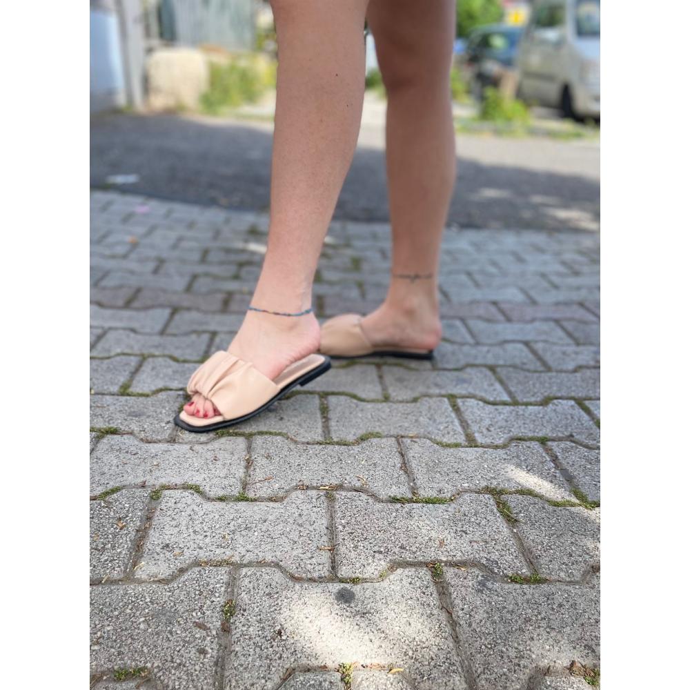 Pantofola Con Fascia Bombata