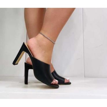 Sandalo Donna Con Fascia Larga Particolare E Tacco Piatto