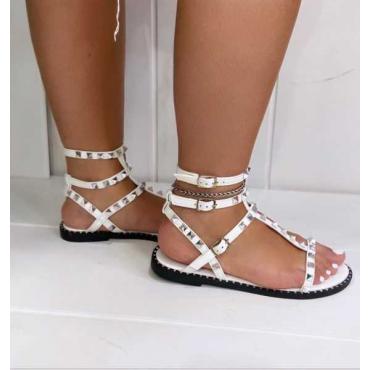 Sandalo Con Borchie Con Cinturini Alla Caviglia