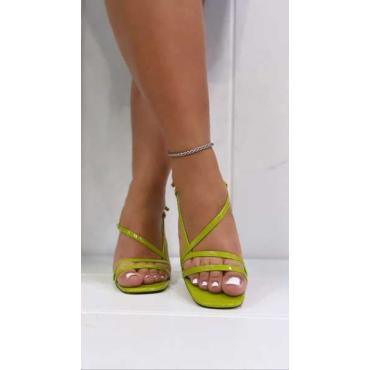 Sandalo Donna Con Cinturino Alla Caviglia In Vernice Con Tacco P