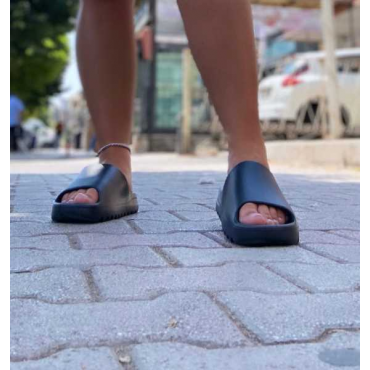 Pantofole In Gomma Modello Chiara Ferragni