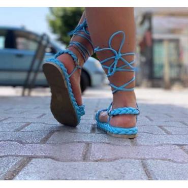Sandalo Basso Con Fasce A Treccia E Lacci Alla Caviglia