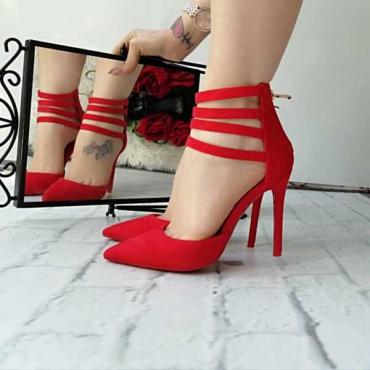 Decollette Rosso In Camoscio Sintetico Tacco A Spillo  ,Stringhe E  Zip Anteriore