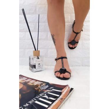 Sandalo Donna Basso Vernice Con Tinturino Alla Caviglia Nero