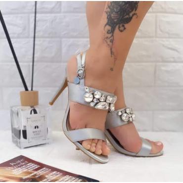 Sandalo Donna Elegante Con Brillanti Su Collo Piede Grigio
