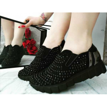 Sneakers Donna Con Brillantini E Borchie Nere  Con Suola  In Gom